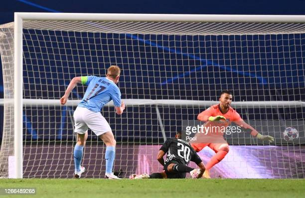 Kevin De Bruyne of Manchester City scores his team's first goal during the UEFA Champions League Quarter Final match between Manchester City and Lyon...