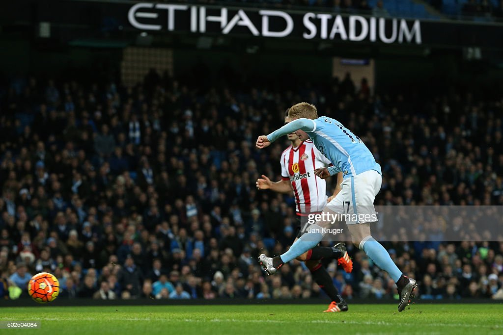Kevin De Bruyne of Manchester City scores his team's fourth goal during the Barclays Premier League match between Manchester City and Sunderland at the Etihad Stadium on December 26, 2015 in Manchester, England.