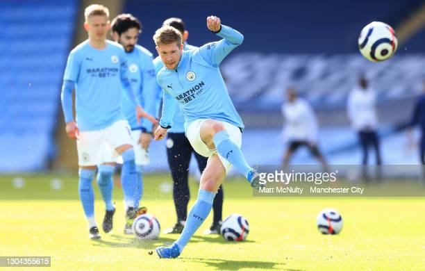 Kevin De Bruyne of Manchester City warms up prior to the Premier League match between Manchester City and West Ham United at Etihad Stadium on...