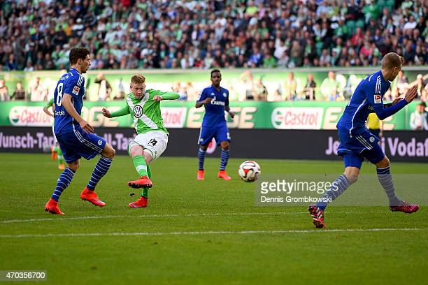 Kevin De Bruyne of Wolfsburg scores the first team goal during the Bundesliga match between VfL Wolfsburg and FC Schalke 04 at Volkswagen Arena on...