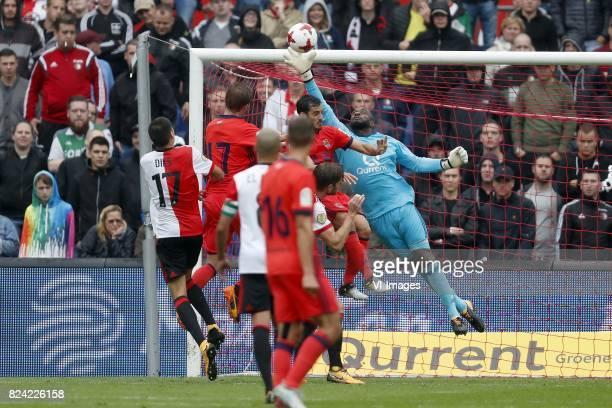 Kevin Diks of Feyenoord David Zurutuza of Real Sociedad de Futbol JeanPaul Boetius of Feyenoord Sergio Canales of Real Sociedad de Futbol Juanmi of...