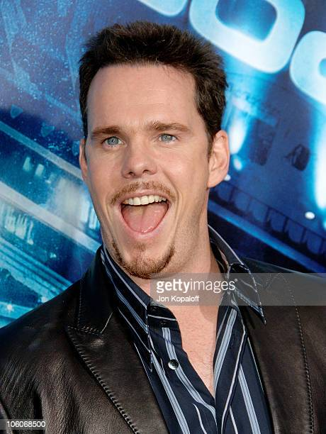 """Kevin Dillon during """"Poseidon"""" Los Angeles Premiere - Arrivals at GraumanIs Chinese Theater in Hollywood, California, United States."""
