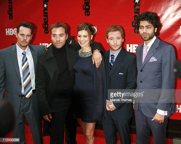 Kevin Dillon Jeremy Piven Perrey Reeves Kevin Connolly and Adrian Grenier
