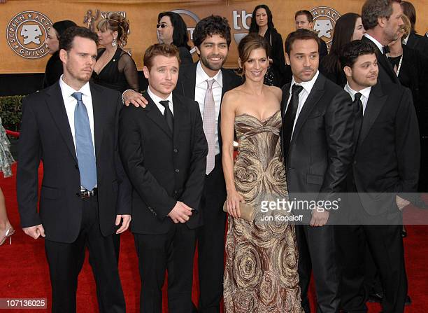 Kevin Dillon Kevin Connolly Adrian Grenier Perrey Reeves Jeremy Piven and Jerry Ferrara