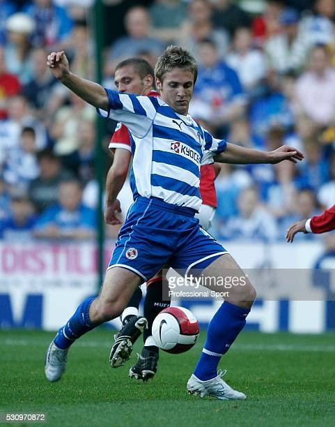Kevin Doyle in action for Reading during the Barclays Premiership match between Reading and Manchester United at the Madejski Stadium on September 23...