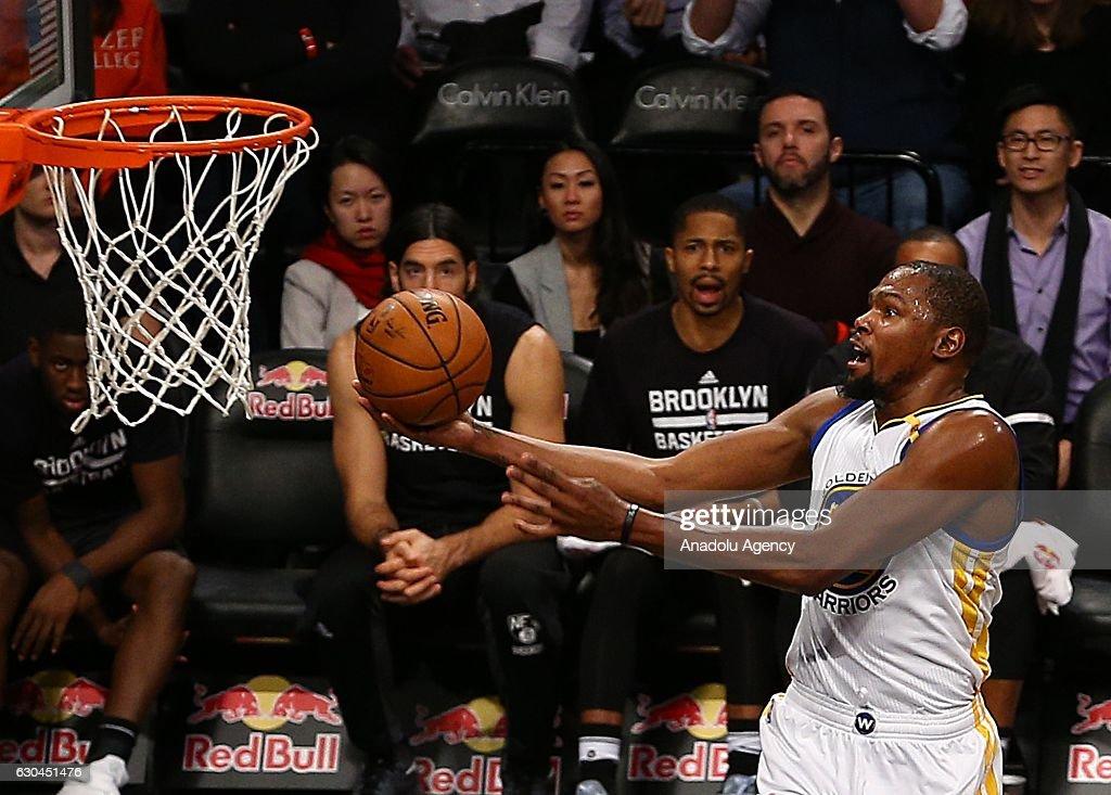 Brooklyn Nets vs Golden State Warriors : Nieuwsfoto's