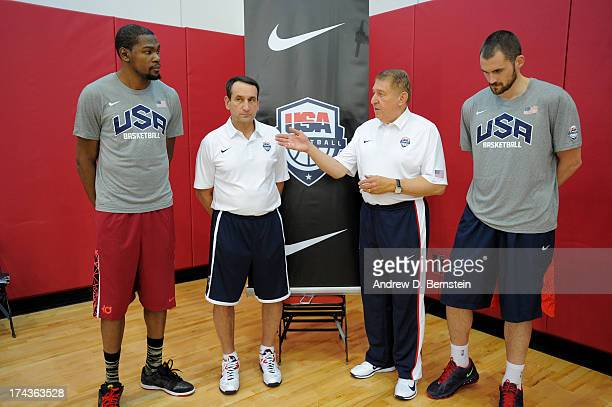 Kevin Durant Head Coach Mike Krzyzewski Managing Director Jerry Colangelo and Kevin Love of the USA Basketball Men's National Team make an...