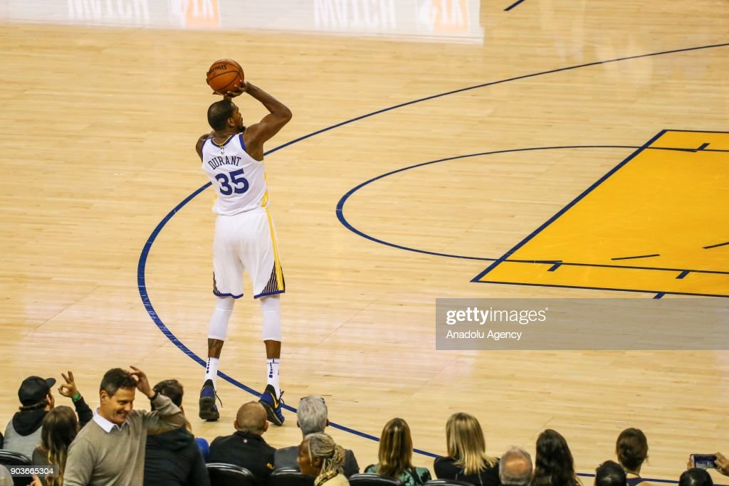 Kevin Durant of Golden State Warriors in action during the NBA basketball game between LA Clippers and Golden State Warriors at Oracle Arena in Oakland, United States on January 10, 2018.