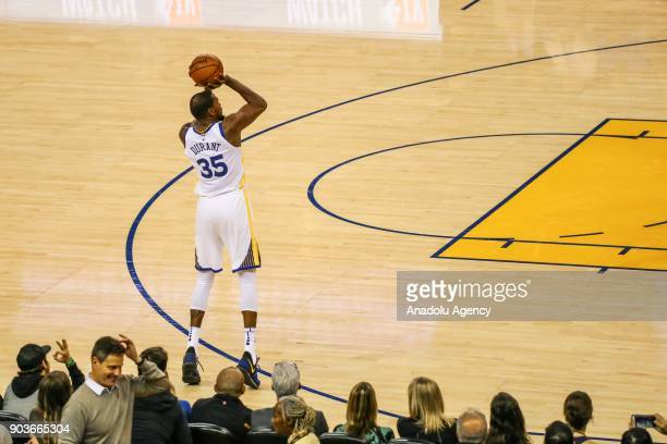 Kevin Durant of Golden State Warriors in action during the NBA basketball game between LA Clippers and Golden State Warriors at Oracle Arena in...