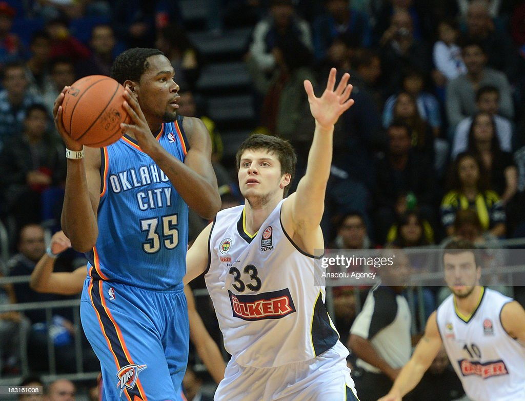 Fenerbahce Ulker vs Oklahoma City Thunder : News Photo