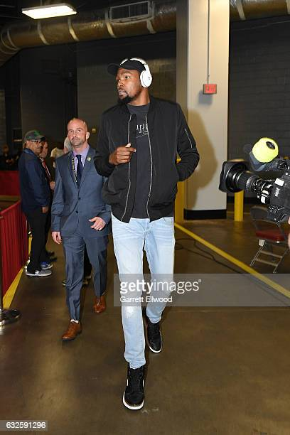 Kevin Durant of the Golden State Warriors arrives at the arena before the game against the Houston Rockets on January 20 2017 at the Toyota Center in...
