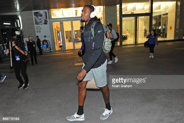 Kevin Durant of the Golden State Warriors arrives at the hotel for 2017 NBA Global Games China on October 2 2017 at the Four Seasons in Shenzhen...