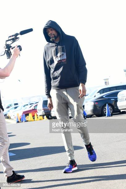 Kevin Durant of the Golden State Warriors arrives before Game Five of the Western Conference Semifinals against the New Orleans Pelicans during the...