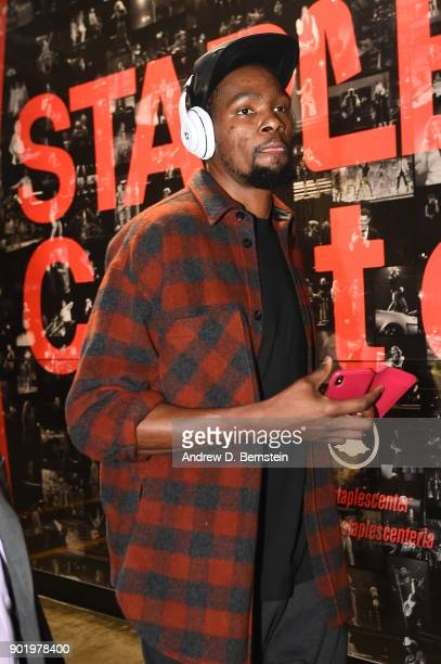 Kevin Durant of the Golden State Warriors arrives before the game against the LA Clippers on January 6 2018 at STAPLES Center in Los Angeles...