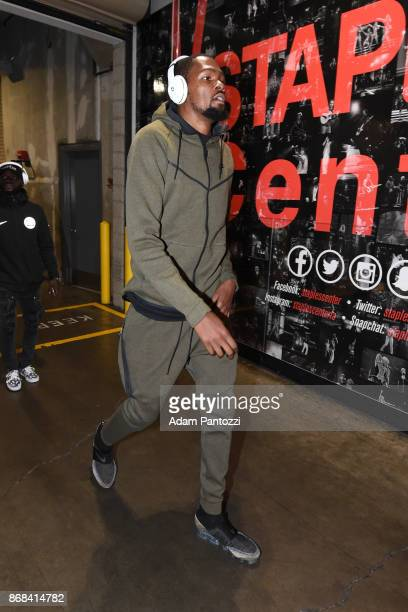 Kevin Durant of the Golden State Warriors arrives on October 30 2017 at STAPLES Center in Los Angeles California NOTE TO USER User expressly...