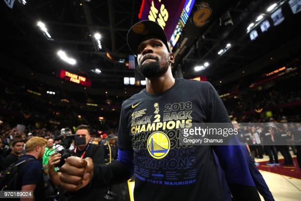 Kevin Durant of the Golden State Warriors celebrates after defeating the Cleveland Cavaliers during Game Four of the 2018 NBA Finals at Quicken Loans...