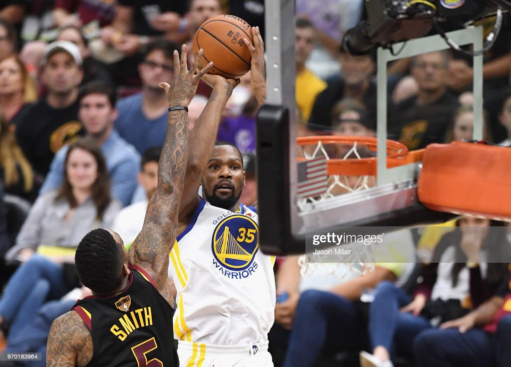 2018 NBA Finals - Game Four : Nachrichtenfoto