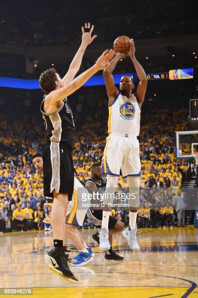 Kevin Durant of the Golden State Warriors shoots the ball against the San Antonio Spurs during Game Two of the Western Conference Finals of the 2017...