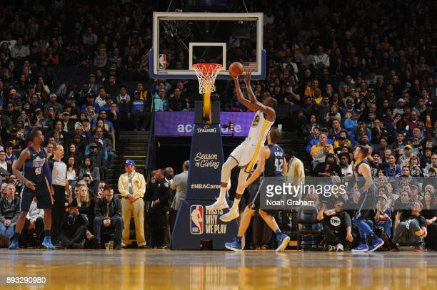 Kevin Durant of the Golden State Warriors shoots the ball against the Dallas Mavericks on December 14 2017 at ORACLE Arena in Oakland California NOTE...