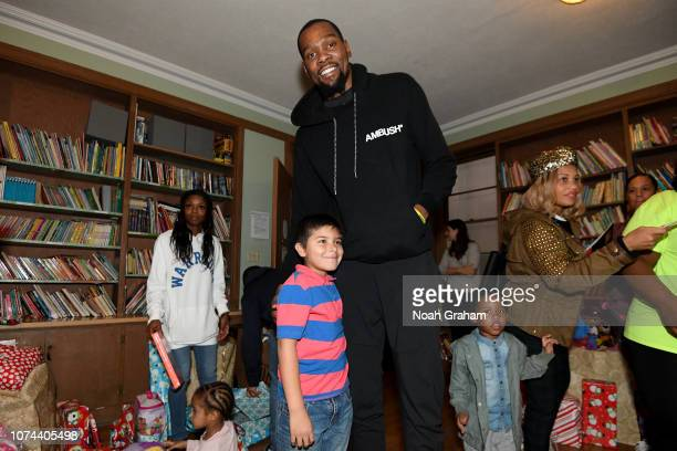 Kevin Durant of the Golden State Warriors teams up with the Kevin Durant Community Foundation to continue to build its tradition of holiday...