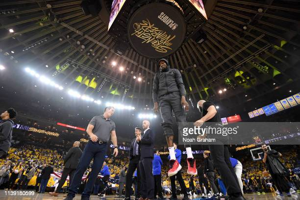 Kevin Durant of the Golden State Warriors warms up before Game Five of Round One against the LA Clippers during the 2019 NBA Playoffs on April 24...