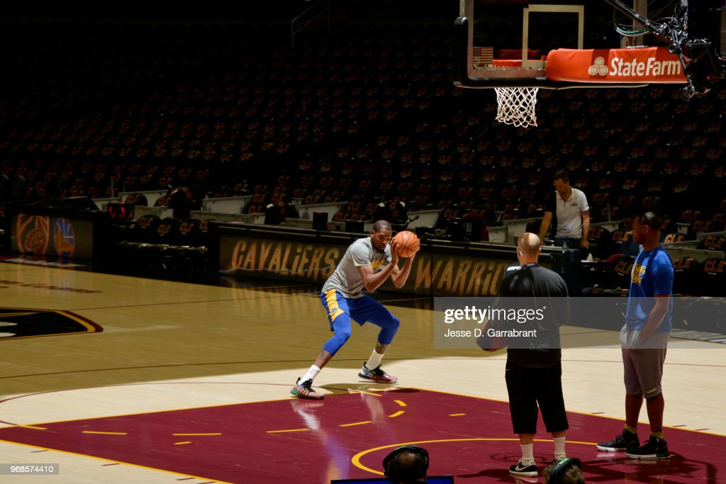 Kevin Durant #35 of the Golden State Warriors warms up prior to Game Three of the 2018 NBA Finals against the Cleveland Cavaliers on June 6, 2018 at Quicken Loans Arena in Cleveland, Ohio.