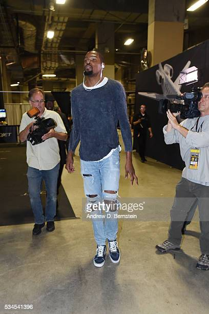 Kevin Durant of the Oklahoma City Thunder arrives before Game Five of the Western Conference Finals against the Golden State Warriors during the 2016...