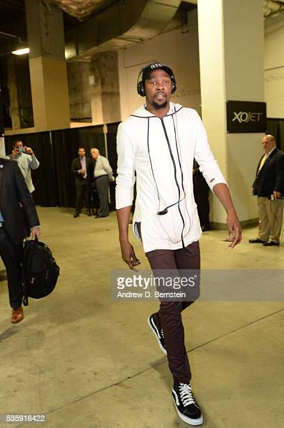 Kevin Durant of the Oklahoma City Thunder arrives before Game Seven of the Western Conference Finals between the Oklahoma City Thunder and Golden...