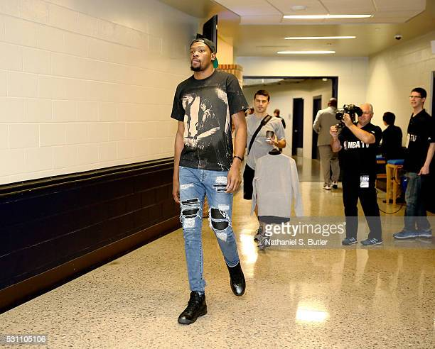 Kevin Durant of the Oklahoma City Thunder arrives before the game against the San Antonio Spurs in Game Six of the Western Conference Semifinals...