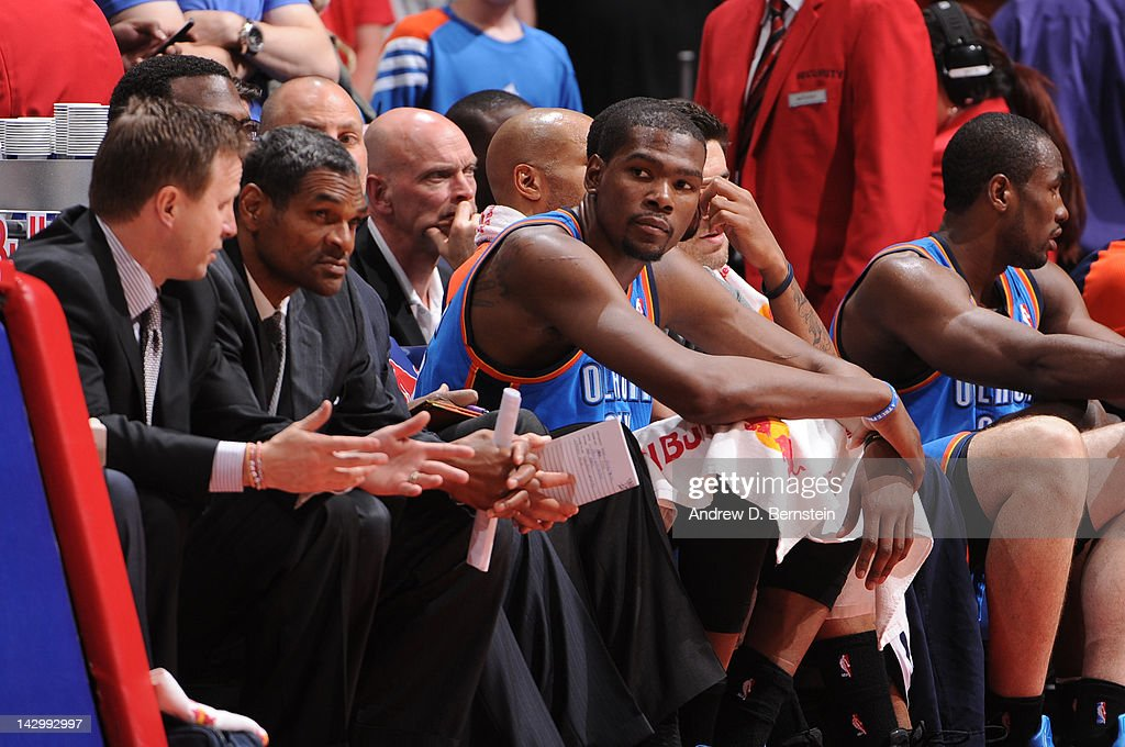 1e5bb8901f4e Kevin Durant of the Oklahoma City Thunder looks on from the bench ...
