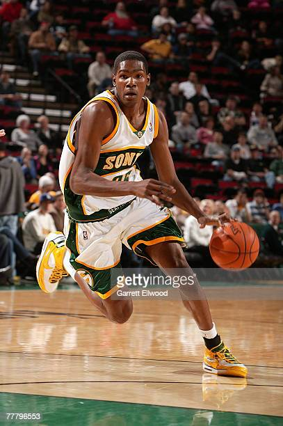 Kevin Durant of the Seattle Supersonics goes to the basket against the Memphis Grizzlies on November 7 2007 at Key Arena in Seattle Washington NOTE...