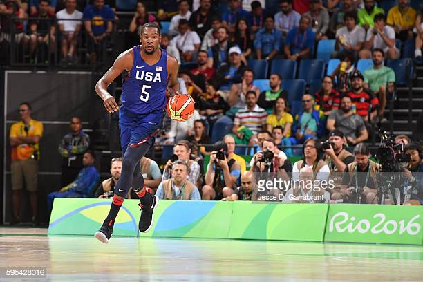 Kevin Durant of the USA Basketball Men's National Team dribbles the ball against Serbia during the Gold Medal Game on Day 16 of the Rio 2016 Olympic...