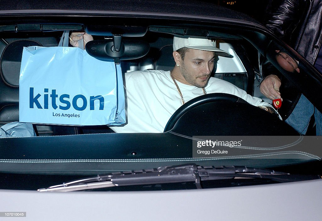 Kevin Federline Hosts the Launch of Five Star Vintage at Kitson Men Store - October 12, 2006 : News Photo