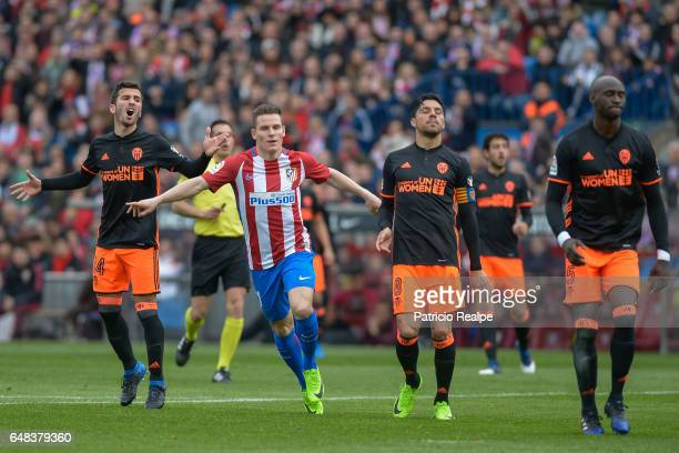 Kevin Gameiro of Atletico de Madrid celebrates after scoring the second goal of his team during the La Liga match between Atletico de Madrid and...
