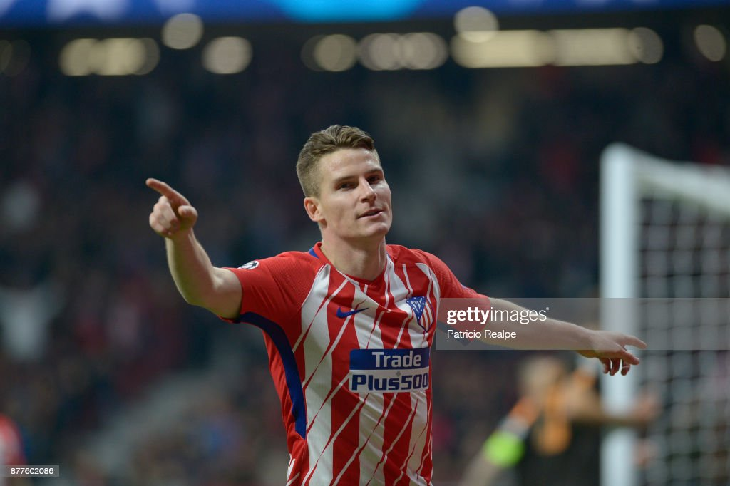 Kevin Gameiro of Atletico de Madrid celebrates after scoring the second goal of his team during a match between Atletico Madrid and AS Roma as part of the UEFA Champions League at Wanda Metropolitano Stadium on November 22, 2017 in Madrid, Spain.
