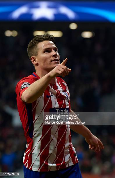 Kevin Gameiro of Atletico de Madrid celebrates scoring his team's second goal during the UEFA Champions League group C match between Atletico Madrid...