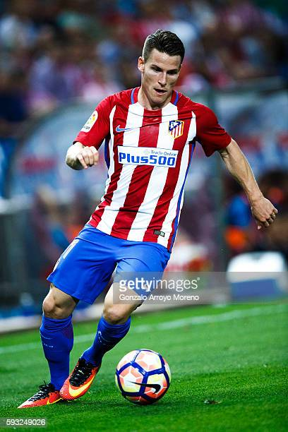 Kevin Gameiro of Atletico de Madrid controls the ball during the La Liga match between Club Atletico de Madrid and Deportivo Alaves at Vicente...
