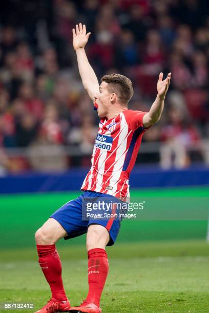 Kevin Gameiro of Atletico de Madrid hands up during the UEFA Champions League 201718 match between Atletico de Madrid and AS Roma at Wanda...