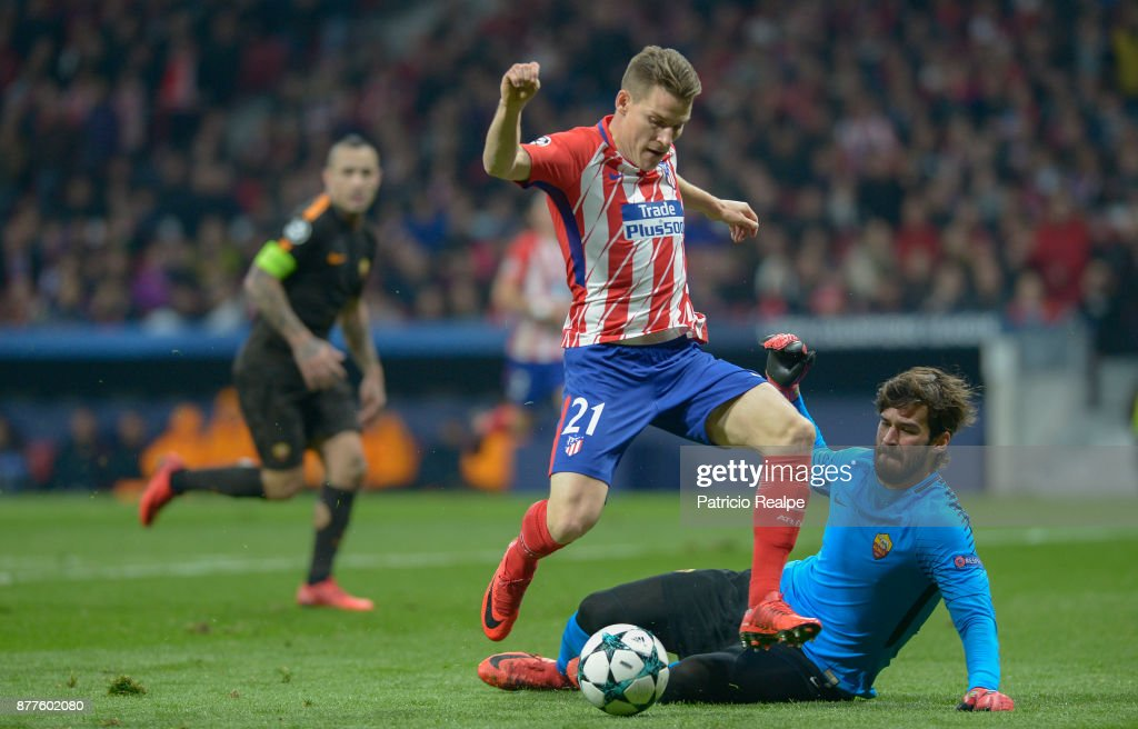 Kevin Gameiro of Atletico de Madrid hits the ball to score the second goal of his team during a match between Atletico Madrid and AS Roma as part of the UEFA Champions League at Wanda Metropolitano Stadium on November 22, 2017 in Madrid, Spain.