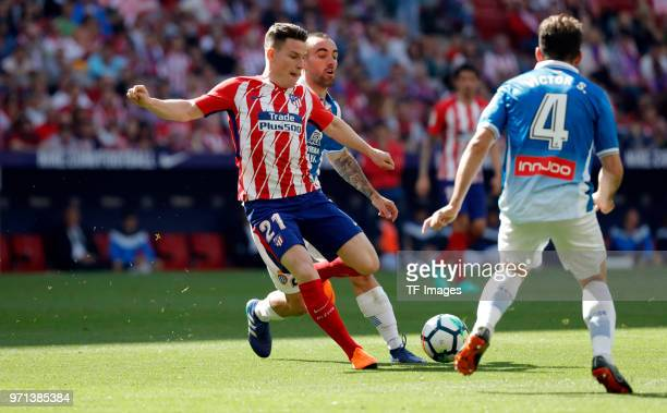 Kevin Gameiro of Atletico Madrid controls the ball during the La Liga match between Atletico Madrid and Espanyol Barcelona at Wanda Metropolitano on...
