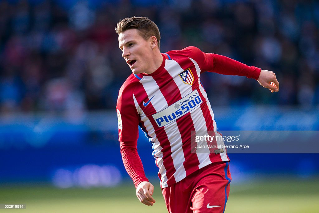 Kevin Gameiro of Atletico Madrid reacts during the La Liga match between Deportivo Alaves and Atletico Madrid at Mendizorroza stadium on January 28, 2017 in Vitoria-Gasteiz, Spain.