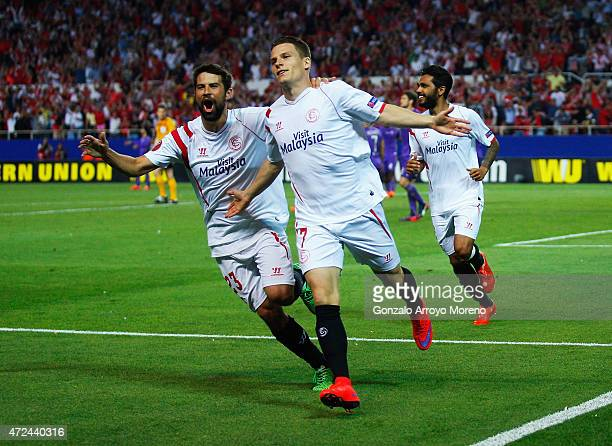 Kevin Gameiro of Sevilla celebrates scoring his team's third goal with team mate Coke of Sevilla during the UEFA Europa League Semi Final first leg...