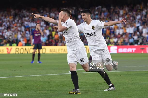 Kevin Gameiro of Valencia CF celebrates after scoring his team's first goal during the Spanish Copa del Rey match between Barcelona and Valencia at...