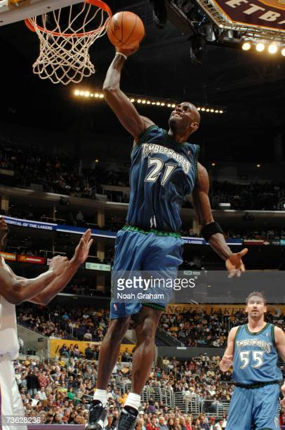 Kevin Garnett of the Minnesota Timberwolves dunks against the Los Angeles Lakers at Staples Center March 18 2007 in Los Angeles California NOTE TO...
