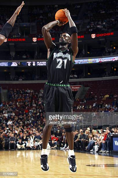 Kevin Garnett of the Minnesota Timberwolves shoots a jump-shot against the Philadelphia 76ers on December 3, 2006 at the Wachovia Center in...
