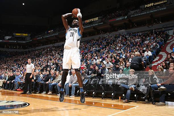 Kevin Garnett of the Minnesota Timberwolves shoots against the Indiana Pacers on December 26 2015 at Target Center in Minneapolis Minnesota NOTE TO...