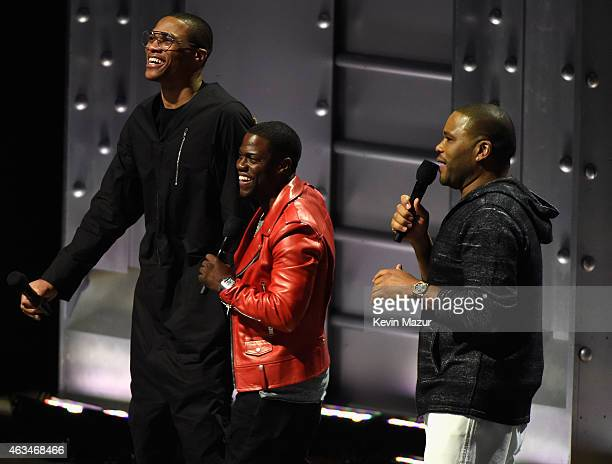 Kevin Hart and Anthony Anderson speak at the State Farm AllStar Saturday Night NBA AllStar Weekend 2015 at Barclays Center on February 14 2015 in New...