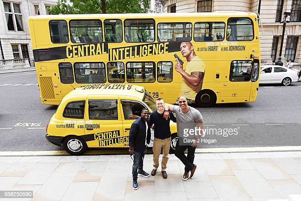 Kevin Hart and Dwayne Johnson with Director Rawson Marshall Thurber prepare to take in the sites of London but quickly discover images of themselves...