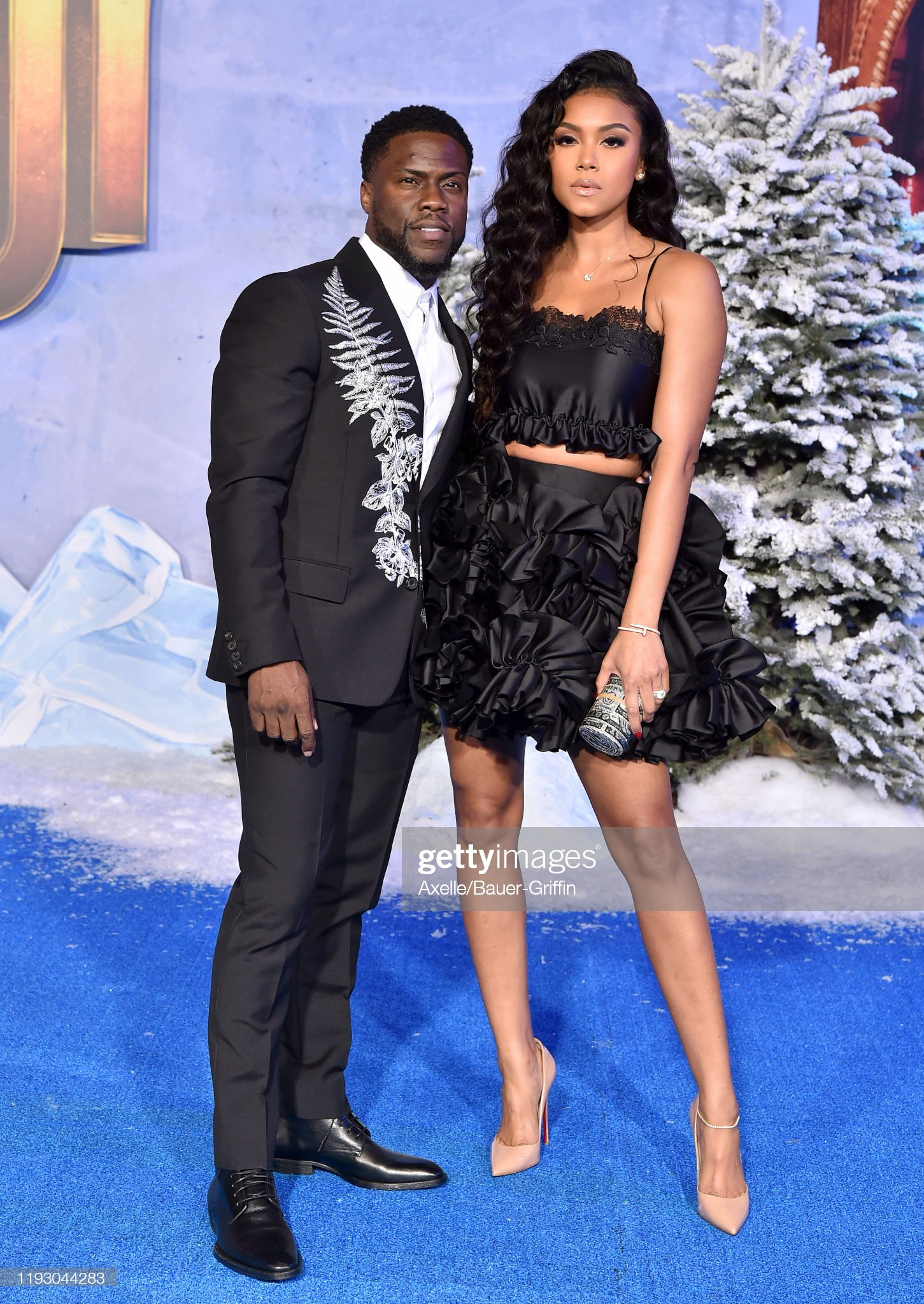 ¿Cuánto mide Eniko Parrish? - Real height Kevin-hart-and-eniko-parrish-attend-the-premiere-of-sony-pictures-picture-id1193044283?s=2048x2048