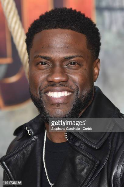 """Kevin Hart attends the photocall of the """"Jumanji : Next Level"""" film at le Grand Rex on December 03, 2019 in Paris, France."""